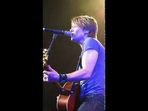 KEITH URBAN BETTER LIFE ACOUSTIC MELBOURNE...