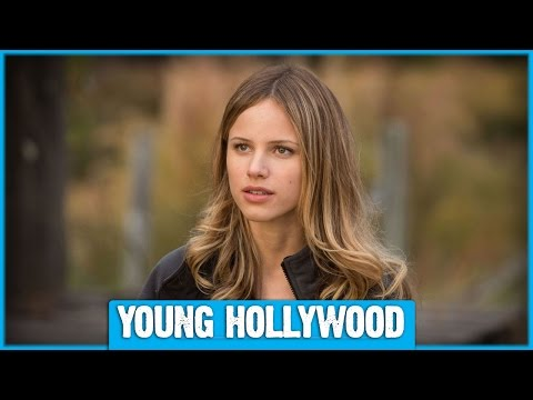 PAPER TOWNS Star Halston Sage & Author John Green on Pranks, Pokemon, & Prom!