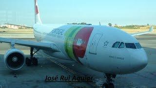 Aviões Pousando e Decolando no Aeroporto de Lisboa Humberto Delgado