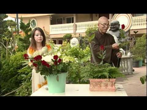 """Nghệ thuật cắm hoa chủ đề """"Mẹ""""- HT Thích Quảng Thanh - Phần 1"""