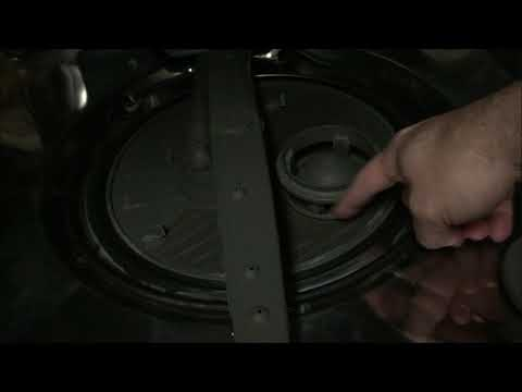 Cleaning a Whirlpool dishwasher filter