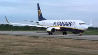 Gambar cover RYANAIR PLANE LANDING AND WIZZAIR PLANE TAKEOFF AT KATOWICE AIRPORT (PYRZOWICE) EPKT
