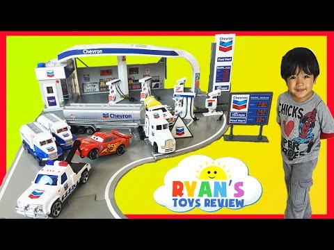 Tomica Chevron Gas Station Playset With Disney Cars Toys Youtube
