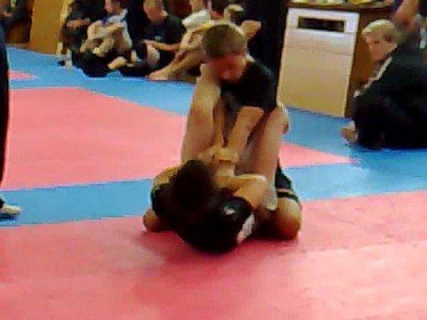 Anton MA FIGHT TEAM sgl tredje