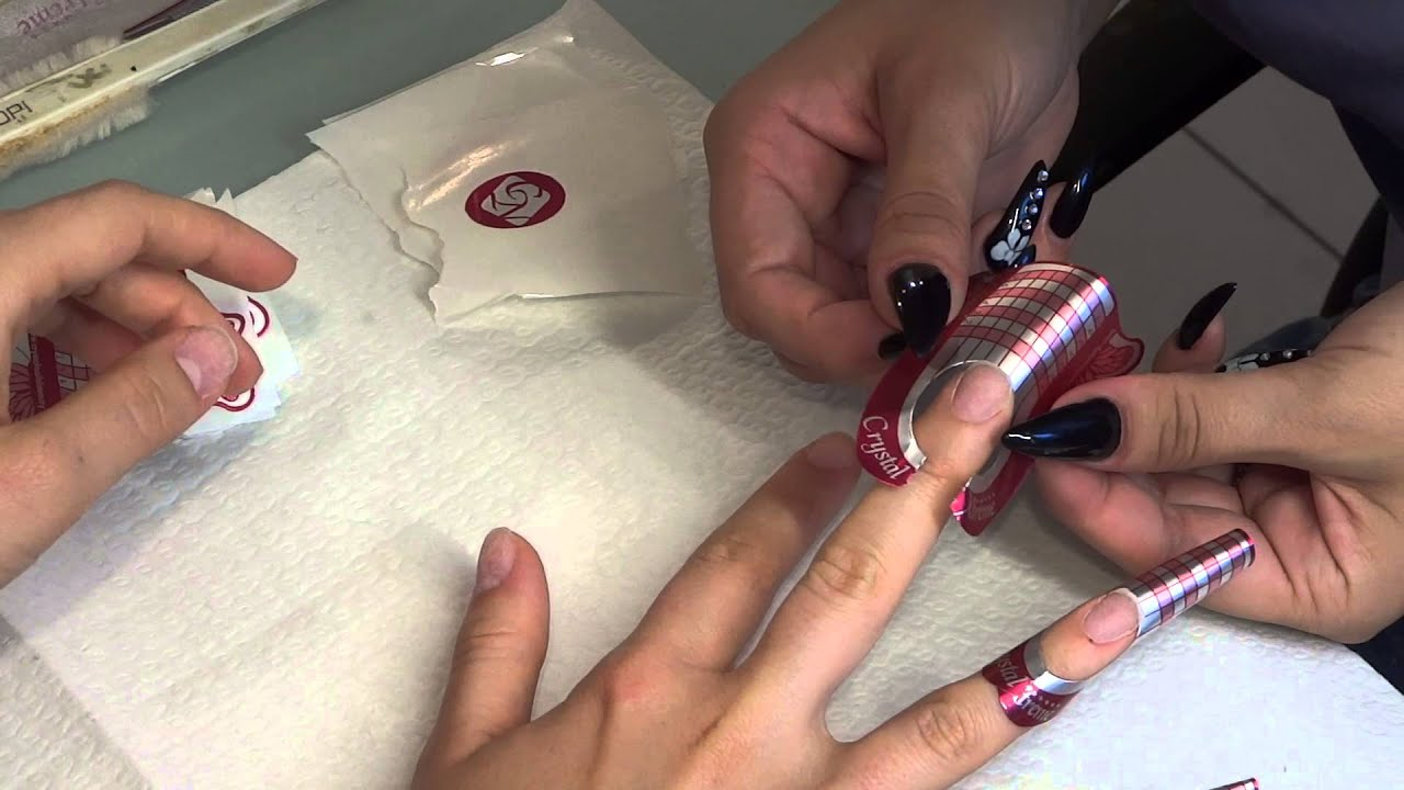 Aplicare unghii gel cu sablon