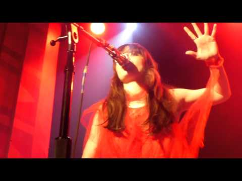Le Butcherettes - Burn the Scab (Live) - The Regent Theater (Riot Grill) - 1/9