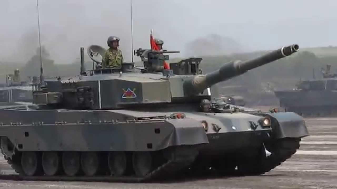 第73戦車連隊観閲行進 - YouTube