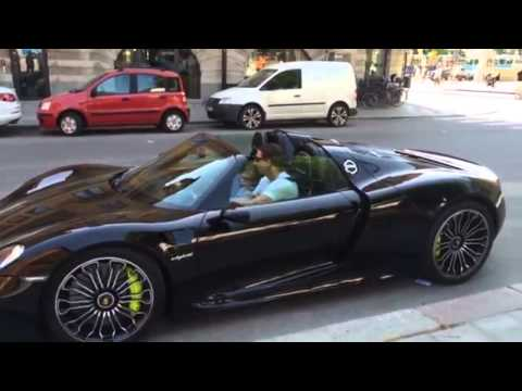 la porsche 918 spyder 800 000 euros hd zlatan ibrahimovic youtube. Black Bedroom Furniture Sets. Home Design Ideas