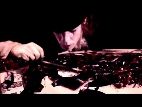 LIQUID STRANGER - 'Mutants' (feat. Warrior Queen)