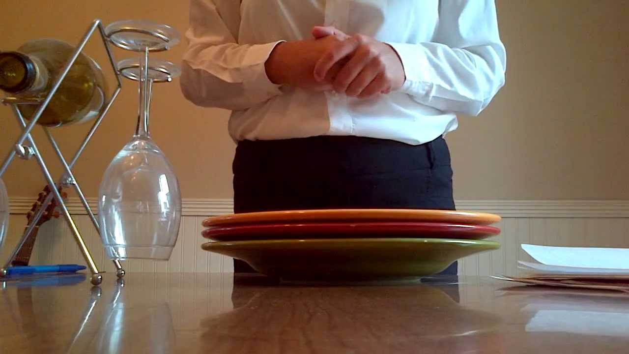How To Carry 3 Plates at Once - Tips for New Waiters and Waitresses
