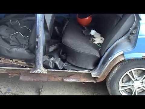 Смотреть онлайн И снова ЗДРАВСТВУЙТЕ  Кузовной ремонт Ваз 2107i ч.З, ставим соединитель порога