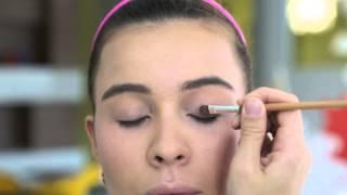 видео Как сделать легкий макияж в домашних условиях?