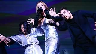 Смотреть видео Альбина Джанабаева - На счастье - Живой звук - Концерт в БКЗ Октябрьский - 14.10.2018 онлайн
