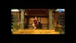 sanakhan as silk smitha vinnil aalinganam song nadigaiyin diary tamil movie