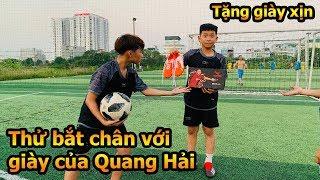 Thử Thách Bóng Đá sút Penalty Bùi Tiến Dũng Nhí trổ tài bắt chân với đôi giày Quang Hải U23 Việt Nam