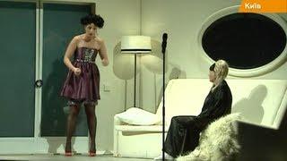 Театр Франко открыл сезон. Сценарист скандального сериала, огромные плазмы и инвалидная коляска