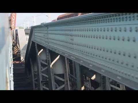 Shipra Superfast Express Crossing Allahabad Bridge ..