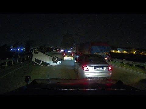 Car Up-side-down at pasir gudang highway JB