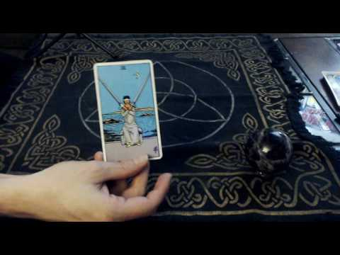 Tarot Card Meanings: 2 of Swords