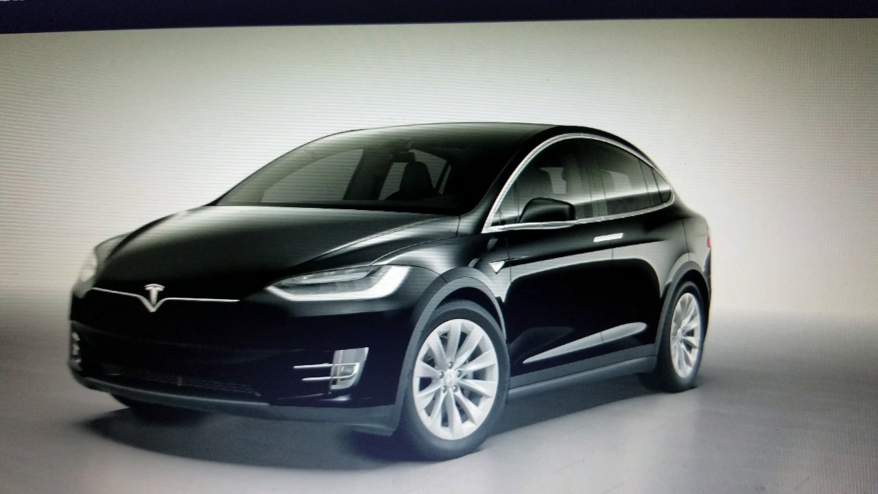 Tesla Model X | Does It Arrive With Dark Tinted Glass On Falcon Wing Doors  & Hatch?
