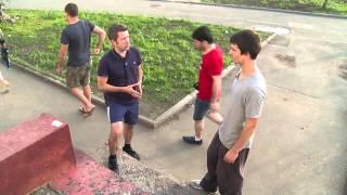 Журналист РТВ пытается научиться паркуру, Реутов 19.07.13(Журналист РТВ (Реутов) Владислав Момат пытается постигнуть искусство паркура., 2013-07-19T15:55:40.000Z)
