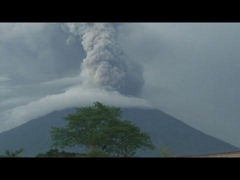 Vulcano Agung, aeroporto di Bali chiuso per altre 24 ore