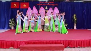 Việt Nam Ngày Mới & Mùa đẹp nhất - Tập thể lớp 9/5