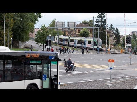 Trafic ferroviaire en Gare de Lausanne le 25 mai 2015 from YouTube · Duration:  2 minutes 9 seconds