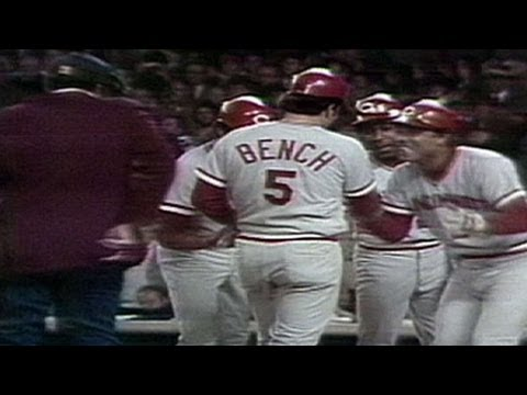 1976-ws-gm4:-bench-homers-twice-in-clincher