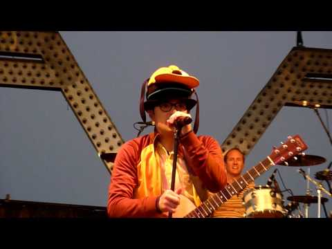 Weezer- Undone - The Sweater Song Live In HD @ Del Mar Race Track 2010