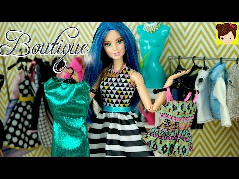 Vistiendo a Barbie en La Boutique con Nueva Ropa - Frozen Elsa y Ariel de Compras - Juguetes de Titi