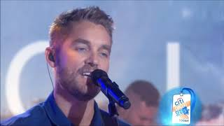 """Brett Young sings """"Ticket to LA"""" Live 2018 Concert HD 1080p"""