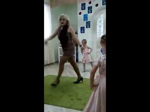 воспитатель детского сада в образе, ржака))))