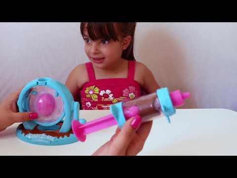 GANHEI A FABRICA DO KINDER OVO - Chocolate Surprise Egg Maker DIY Kinder Surprise Egg Fun - LAURINHA