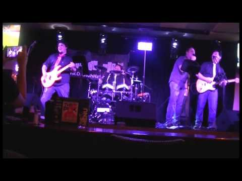 Ostrich Hat Bar Louie Mohegan Sun Casino 10-16-15 (Gig Recap)
