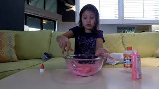 Molly makes glow-in-the-dark slime