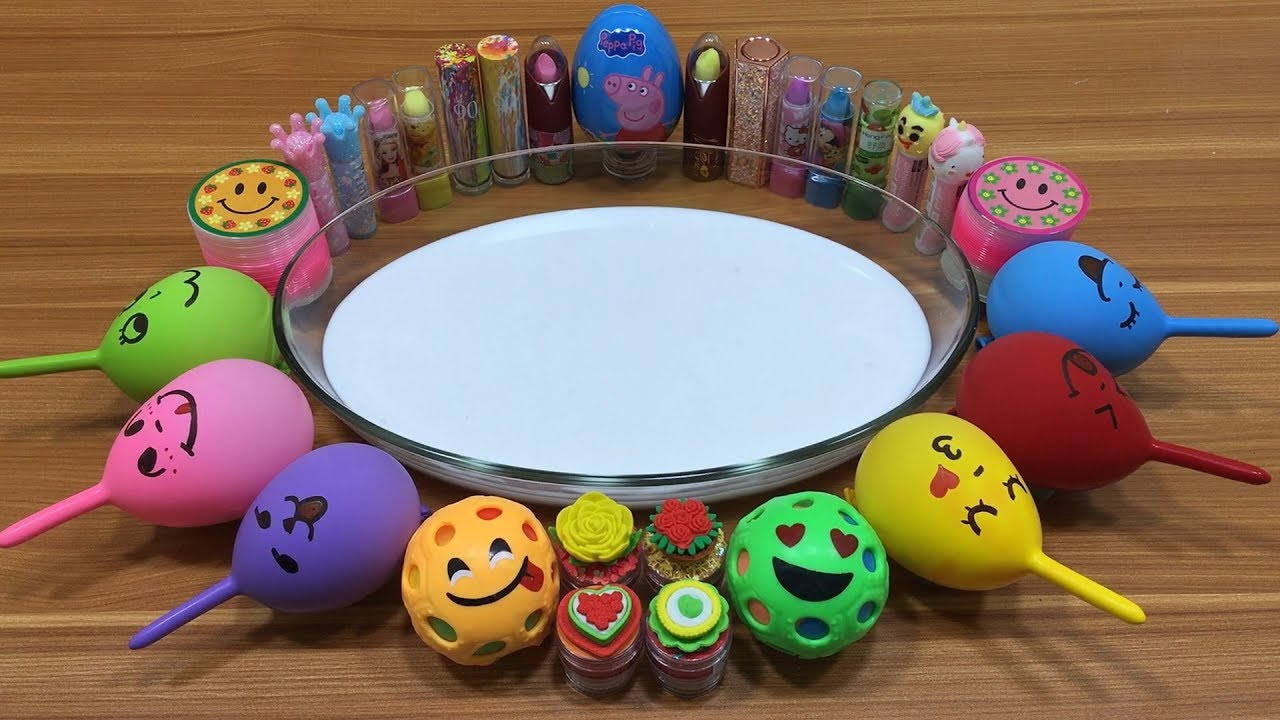 mixing-makeup-and-floam-into-flufy-slime-relaxing-slime-with-funny-balloons