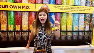 в M&M's Store 😱 Канцелярия m&m's Чехлы m&m и миллион конфет