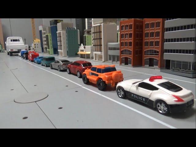 10대 자동차 로봇, 트럭에 싣기 10 car robots loaded onto trucks