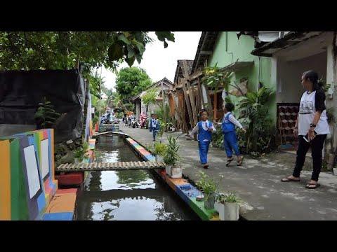 patut-ditiru,-selokan-ini-ada-di-indonesia,-bukan-di-jepang