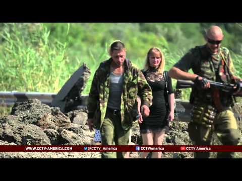 Russian convoy defies Ukraine government checkpoint demands