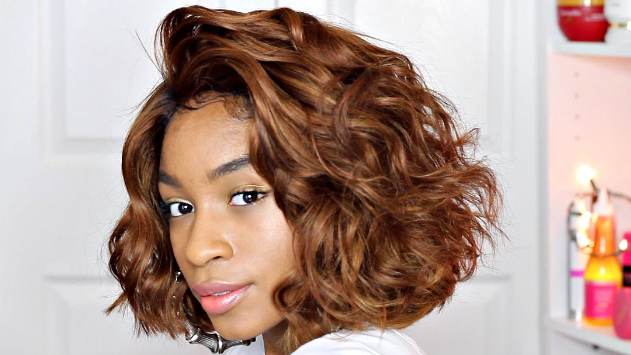 Wand Curls on Short Hair Honey Blonde Bob Wig - YouTube