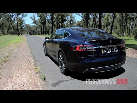 Tesla Model S P85+ 0-100km/h & engine sound