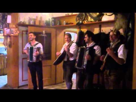 Steirische Harmonika, lustiger Hirsch in Akams