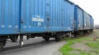 2010年7月2日、焼島駅から北越紀州製紙新潟工場構内へ突放で貨車を押込...
