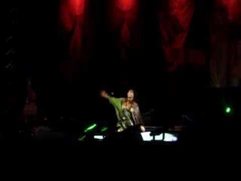 Björk - Army of Me (TIM Festival, Curitiba, 31/10/2007)