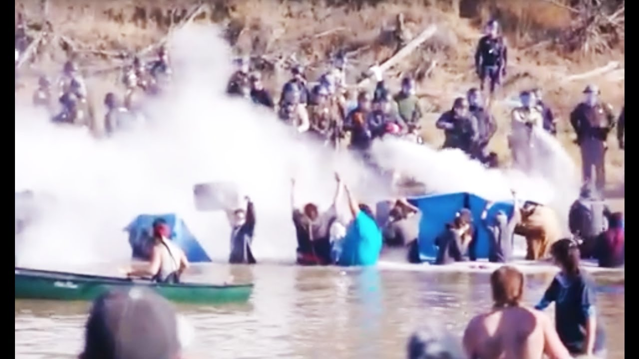 Police VIOLENTLY ATTACK Protesters At Standing Rock - YouTube