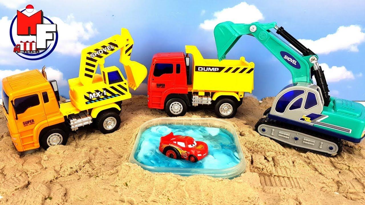 Mobil Mainan Dumper Dan Excavator Kami Bermain Di Pasir Youtube