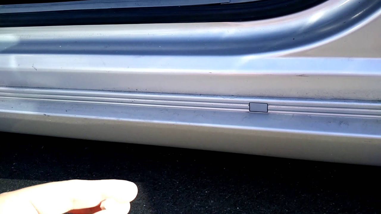 Chrysler 300 Rocker Panel Replacement And Painting Youtube