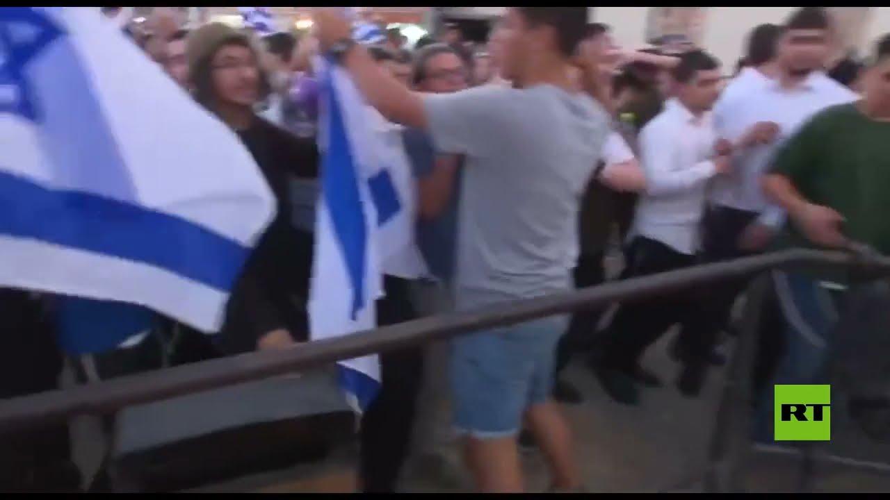 فيديو جديد يظهر اعتداء المستوطنين على صحفيين في باب العامود من بينهم طاقم قناة آرتي  - نشر قبل 4 ساعة